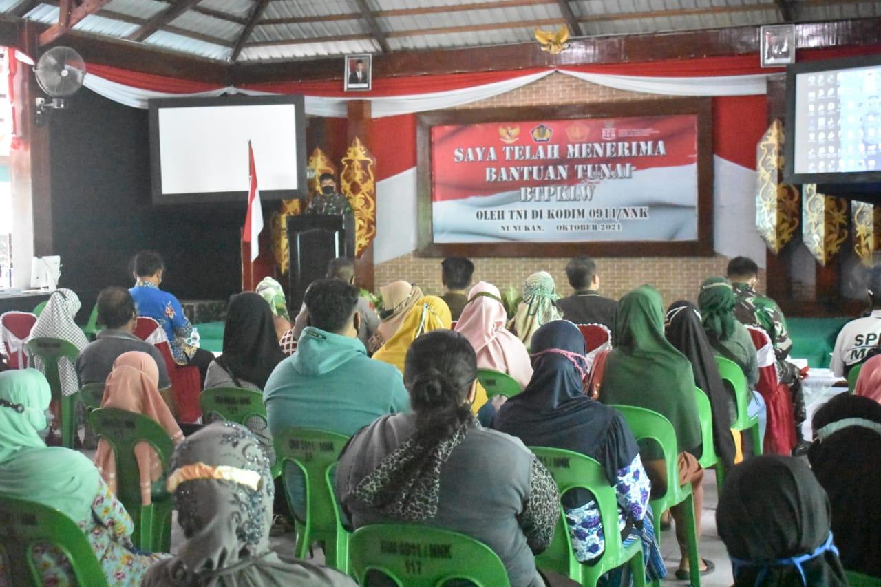 Peserta Penerima Bantuan PKL dan Warung